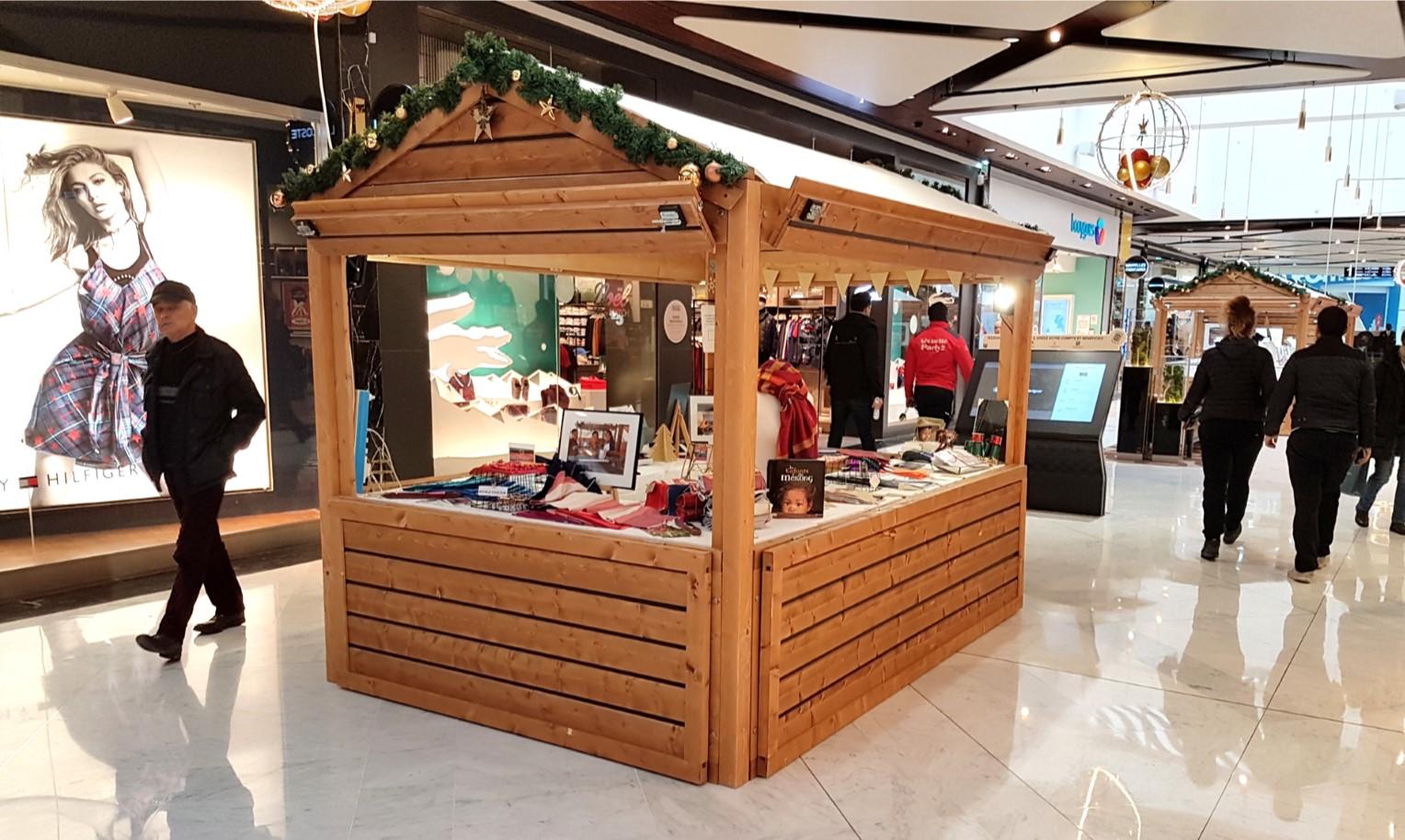 Stand du Village de Noël en centre commercial