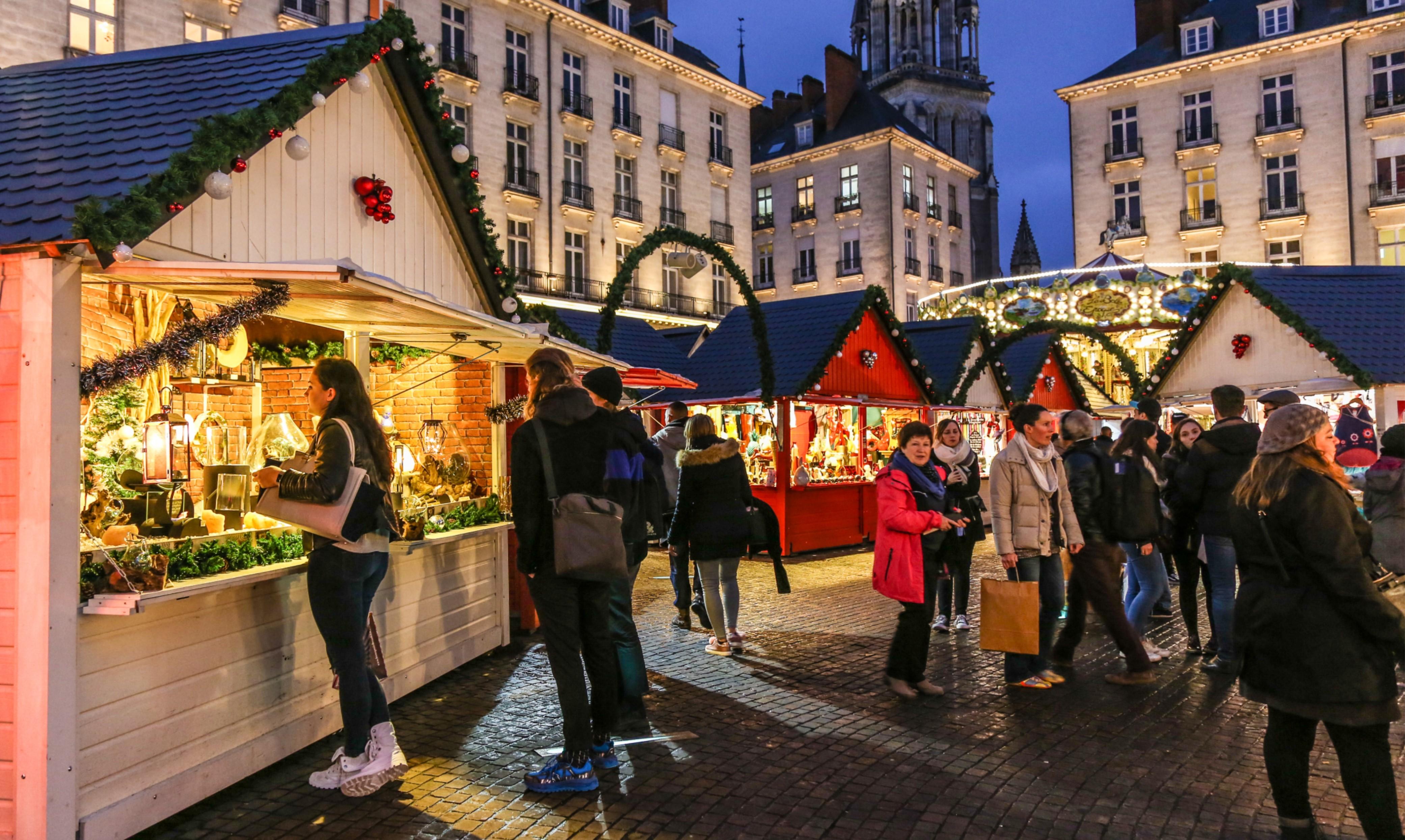 Marché de Noël de Nantes et ses nombreux passants