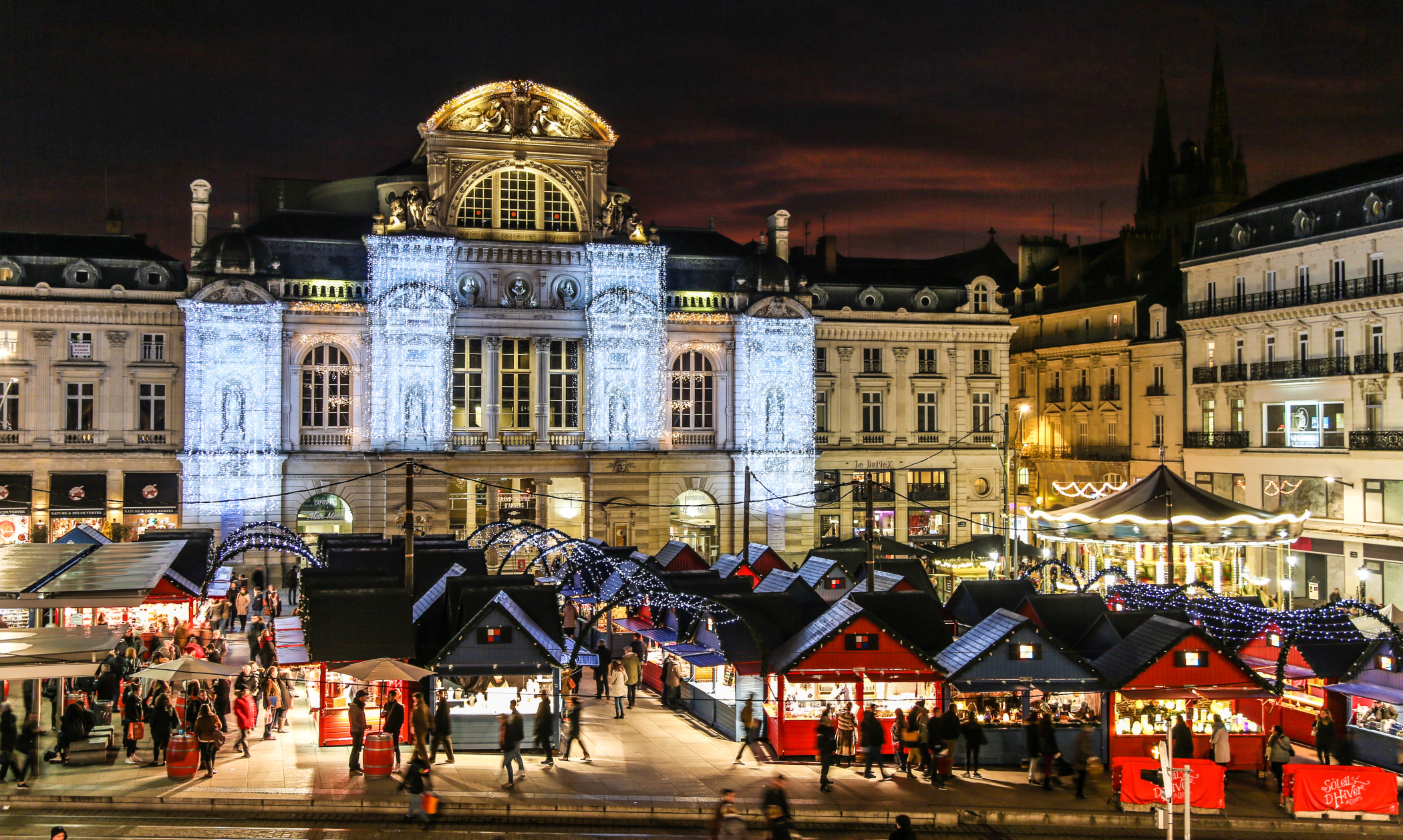 Chalets du Marché de Noël d'Angers sur la Place du Ralliement