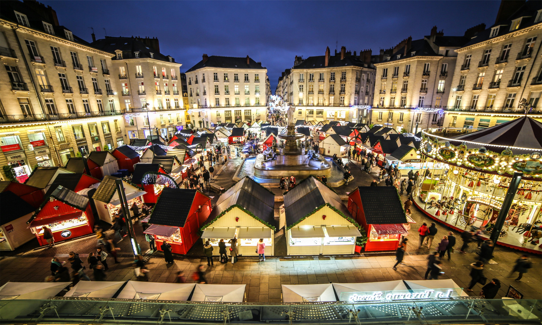 Chalets et carrousel du Marché de Noël de Nantes